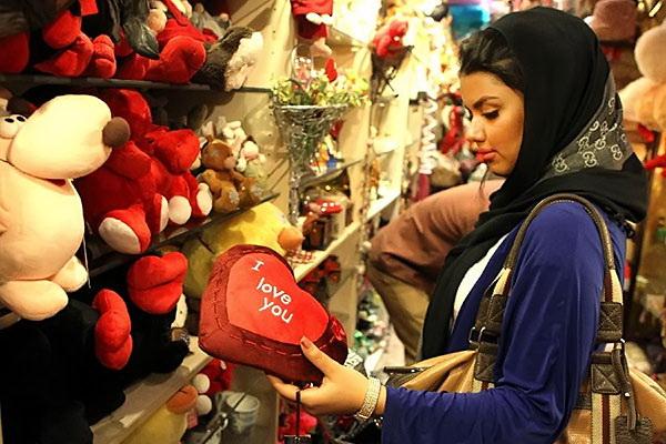 ولنتاین ایرانی با چاشنی شکلات های 3 میلیون تومانی!