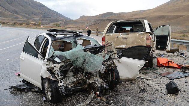 Image result for جنگ خونین جادهای/5 هزار و 400 میلیارد تومان میانگین گردش مالی تصادفات