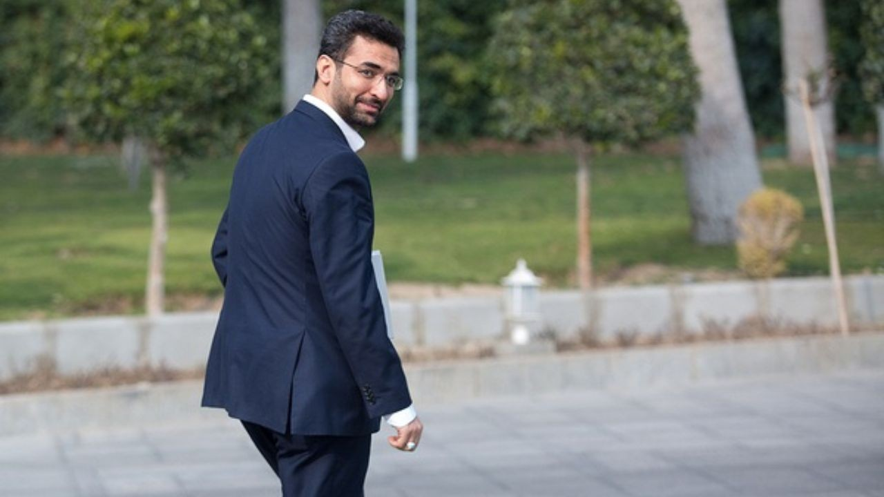 آذری جهرمی به مسدود شدن تلگرام واکنش نشان داد از شایعه استعفای وزیر تا تایید فیلتر شدن تلگرام